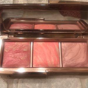 Hourglass Makeup - Hourglass ambient lightning blush trio